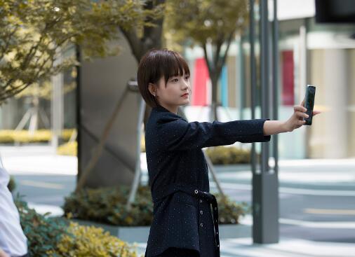 洪佳宁《完美关系》金牌小助理征服观众 线上线