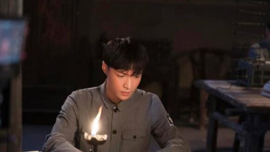 张艺兴《理想照耀中国》之《烈性》开播 被赞哭