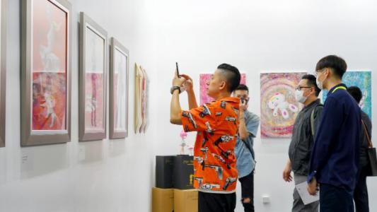 靠边走艺术空间参展JINGART艺览北京 重量级潮